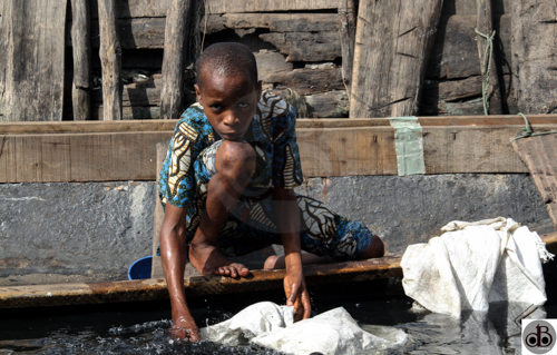 He had no water to wash the fishing net and so decided to wash using the lagoon water