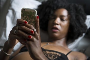 is Sexting Good for Long Distance Relationship