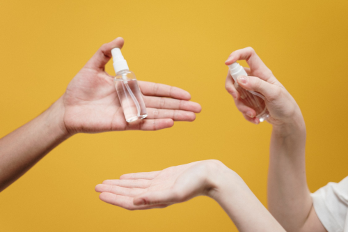How to Keep Your Hands Moisturized During Winter